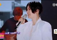 尚雯婕的歌聲超好聽,我卻被她的臉嚇到