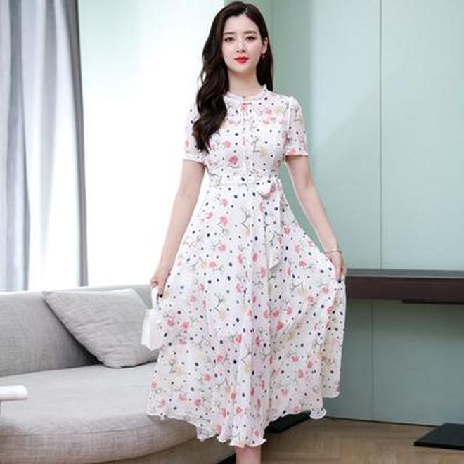 瞧瞧今年流行的雪紡裙,時髦減齡顯氣質,特別適合7080後女人