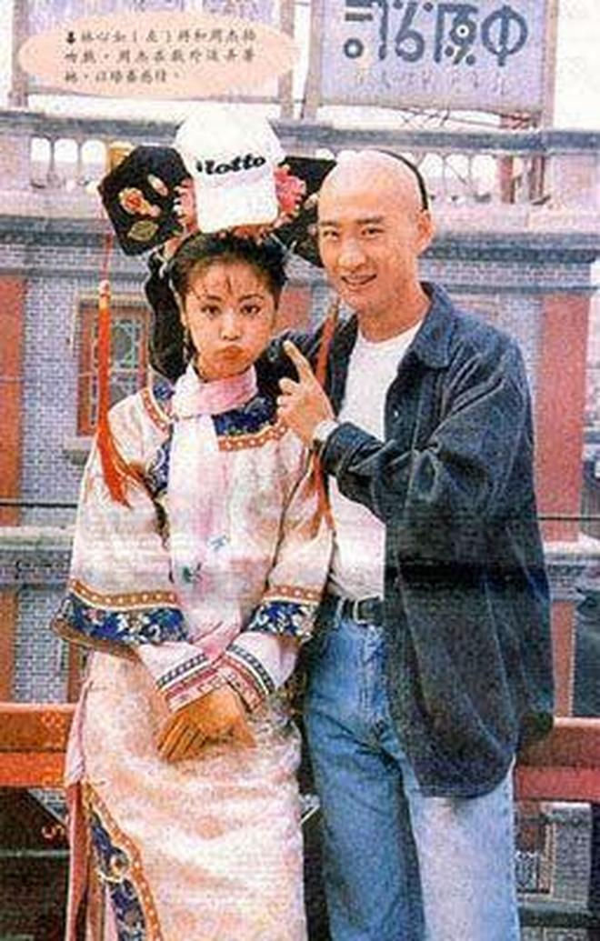 Sau 20 năm, loạt ảnh hậu trường cực hiếm của bộ phim kinh điển Hoàn Châu Cách Cách vẫn khiến khán giả vô cùng thích thú - Ảnh 11.