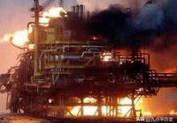 薩達姆從科威特撤退前,放了一把火,科威特損失了四千億