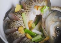 1條大草魚1瓶啤酒,往鍋裡一扔,比酸菜魚,紅燒魚還要好吃,解饞