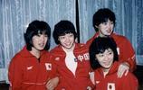 她是郎平之前女排頭號主攻,有無數日本球迷,退役後經商身家億萬