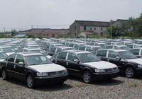 """為啥二手車市場有很多""""準新車"""",有沒有問題?老司機說了實話"""