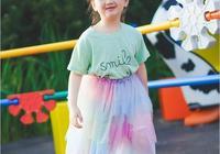 6歲阿拉蕾童真近照,活潑可愛吸粉無數,缺了門牙絲毫不影響顏值