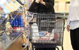 安吉麗娜朱莉出街購物,只嘆迷人遲暮