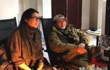 59歲倪萍和丈夫罕見同框,夫妻二人低調秀恩愛