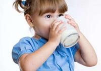 過了這個年齡段孩子就可以喝牛奶,但是這6種牛奶說什麼也不要碰
