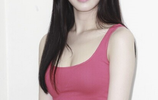 李侑菲,1990年11月22日出生於韓國首爾,韓國女演員