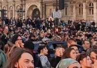 巴黎聖母院著火,那些在微博痛心疾首的娛樂圈的明星是出於什麼心態呢?
