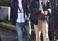 歌手結石姐Jessie J和男友錢寧·塔圖姆甜蜜現身倫敦街頭