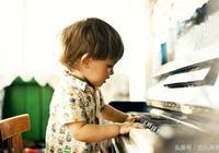 鋼琴為什麼最好從小學起?看會彈鋼琴的人如何回答!