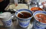 米皮是西安人四季最愛的小吃,只要加滿辣椒油,夏天頓頓吃都不膩