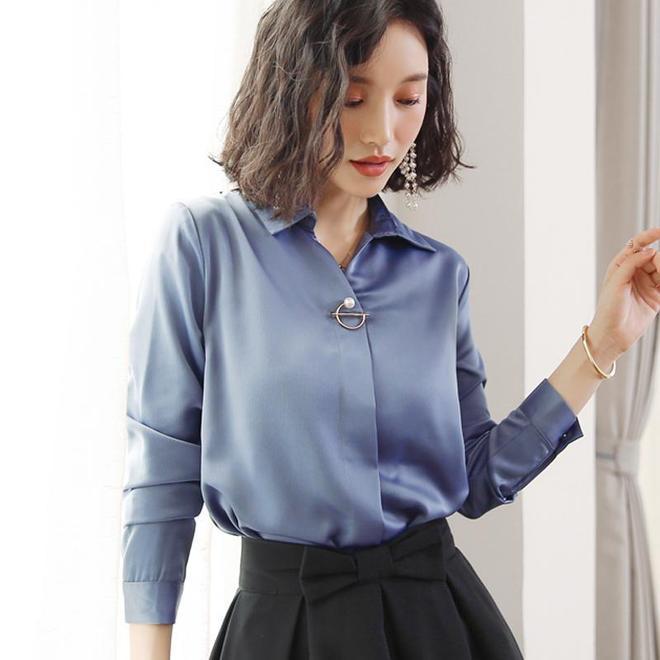這款時尚雪紡衫,寬鬆的版型很顯瘦遮肉,穿起來非常的街頭休閒風