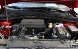 國產小型SUV的又一匹黑馬,名爵ZS售價7.38萬,配1.5L發動機