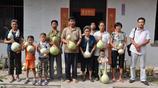 農村小夥旅遊回來在自家院子裡種了顆種子 如今年純收入超10萬元