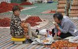 實拍:農村大集上賣大櫻桃的老人和孩子,讓人心酸落淚的10張圖