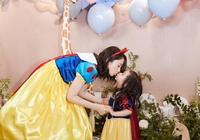 李小璐帶甜馨參加董璇女兒生日會,小甜馨變化大,越發像乃亮
