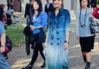 43歲趙薇已變身成為時尚達人,顏值穿搭吊打90後,氣質不輸當年