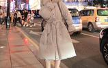 建議女人:羽絨服冬天就穿下面這顏色,遮肉還提氣質,十年不落伍