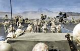 二戰太平洋戰場美軍悲壯一幕:遺體被成船運走