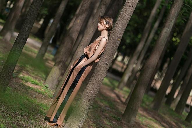 「潮流搭配」你和大長腿之間,原來只差了一條吊帶連體褲