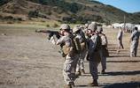 美國海軍陸戰隊練習使用AK-47步槍實彈射擊