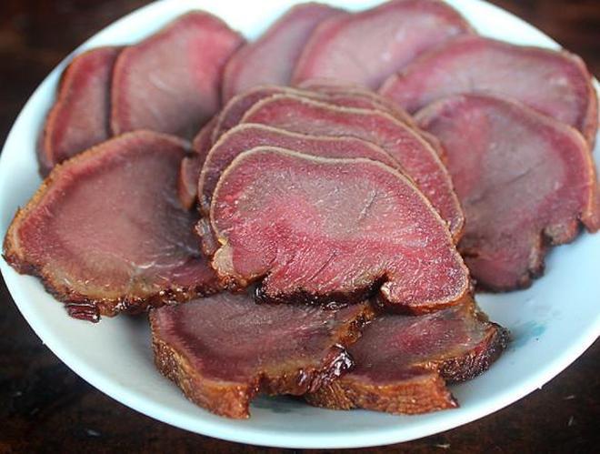 重慶有一種肉,女人見了口水直流,男人見了叫酒,味道回味無窮