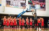 NBA球星中國行,如果你見過這樣的詹皇,你會發現真黑不了了!