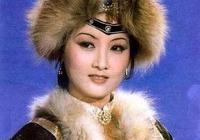 女星古裝劇裡戴毛絨帽,林依晨似襁褓嬰兒,王媛可撞臉Baby!