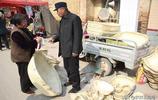 農村大爺50年老手藝賣得火,15元一個,100多個三個小時賣光