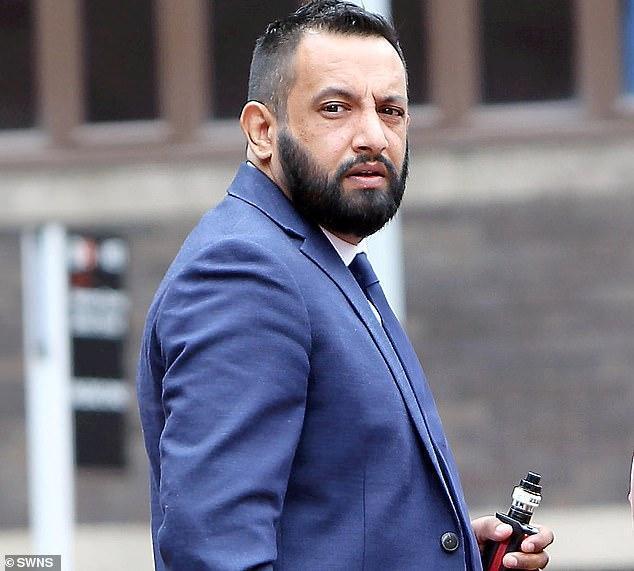 英已婚警官5個月糾纏4女性,出軌2人發7百條挑逗短信入獄