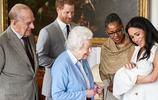 38歲梅根王妃產後攜小王子首亮相 產後身材走樣明顯狀態太真實了