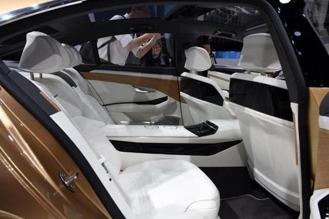 大眾豪車再推新旗艦!2.0T混動配9AT,或售35萬比買奔馳E級划算