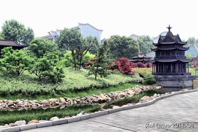 江南三大名樓最低的一座,不足20米卻因一篇文章流傳千年