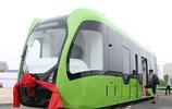 地鐵要被淘汰了?全球首列虛擬軌道列車可與汽車共享道路