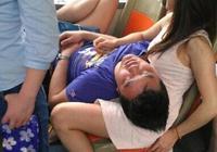 抱著老婆睡覺就是香!可是,大哥,你抱的是我老婆啊!