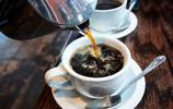 全球第一款無色透明咖啡