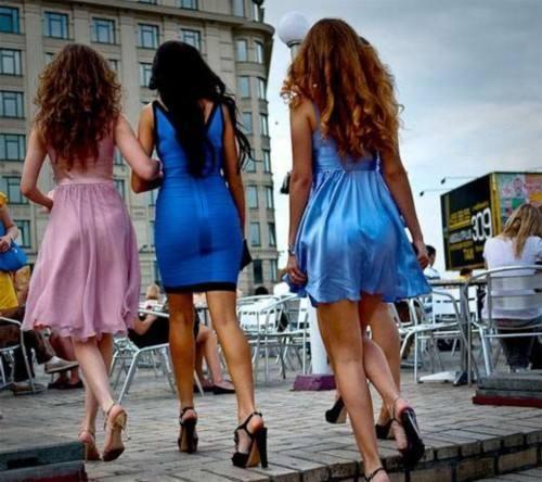 """這個國家禁止女性出國,街頭美女""""氾濫成災"""",傾心中國小夥"""