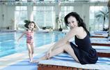看完47歲鍾麗緹這張素顏照,網友直呼:張倫碩娶她還是挺有勇氣的