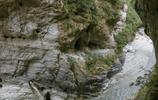 與我同行 遊太魯閣國家公園 壁立千仞的峭壁斷崖曲折的山洞隧道