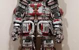 給手工帝跪了 美國樂高迷花700小時自制炫酷騎兵鎧甲