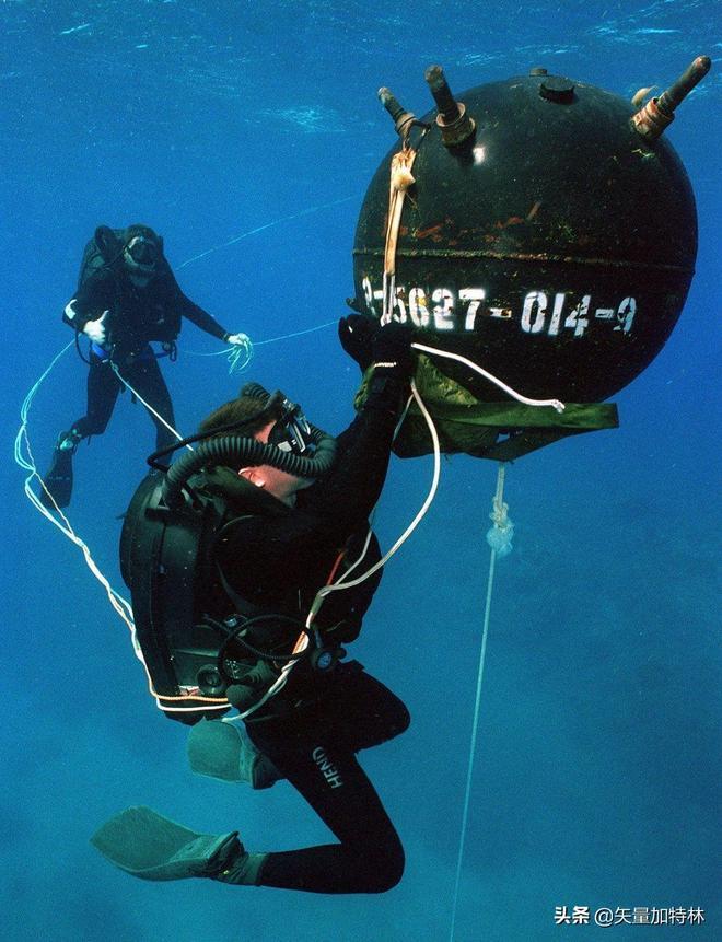 排除水雷並不像大家想的那麼容易,看看美軍海豹突擊隊如何工作