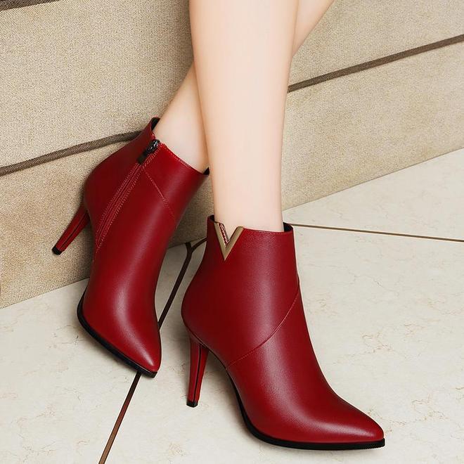 新品女鞋馬丁靴,特別適合矮個女生,顯高又保暖,怎麼穿都好看