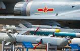 中國殲-10B多用途戰鬥機細節資料圖 做工相當精湛 讓人百看不厭