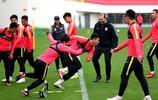 中甲第一輪長春亞泰客場對身上海申鑫,賽前長春亞泰球員踩場訓練