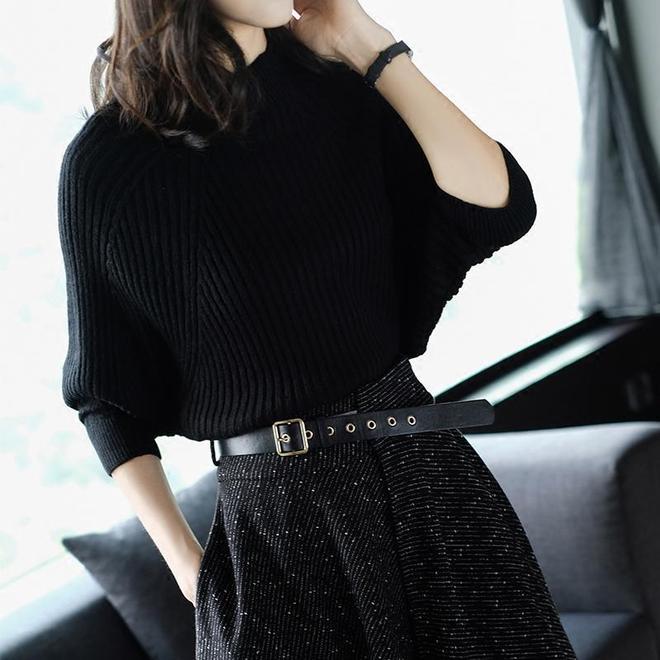 40歲女人儘量少穿闊腿褲,現在流行這樣穿,洋氣又百搭