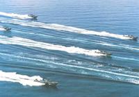 我軍12艘快艇圍攻2艘大艦,敵旗艦竟拋下僚艦倉皇逃跑