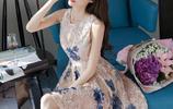 女人還是穿網紗裙最性感,現在都穿這幾款,時髦有女人味