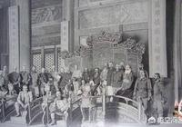 慈禧當年和光緒皇帝西逃的時候,他們大概帶了多少人?一路上都吃什麼,住在哪裡?