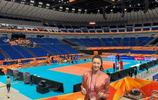 惠若琪晒出自己在橫濱體育館的照片,祝願中國女排戰勝意大利女排